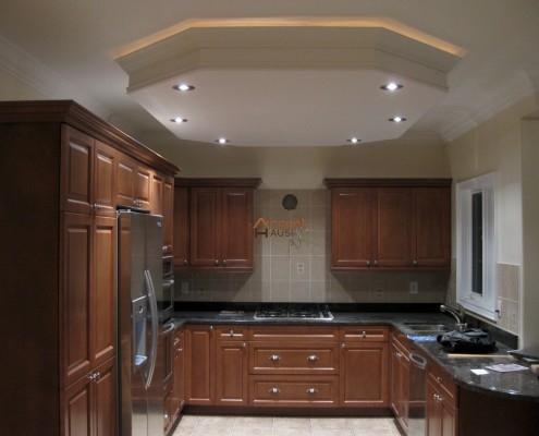 Bulkhead ceiling with potlights